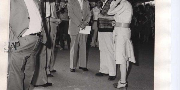 1979 – 15° Premio Bice Bugatti – Archivio foto LAP – Scalvini in primo piano Viviani parla con Castellani