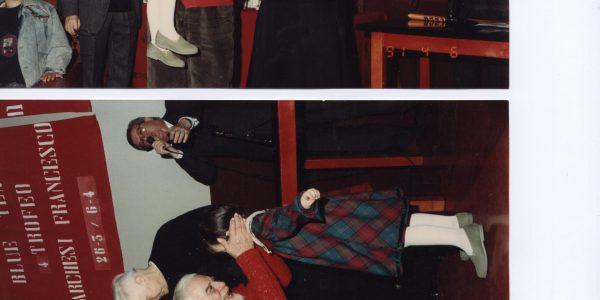 1991 – Viviiani con don Rainaldo Grassi al centro parrocchiale – Archivio foto LAP